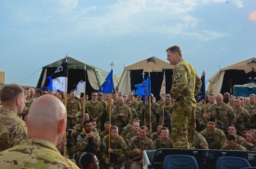 Jimmy addressing soldiers